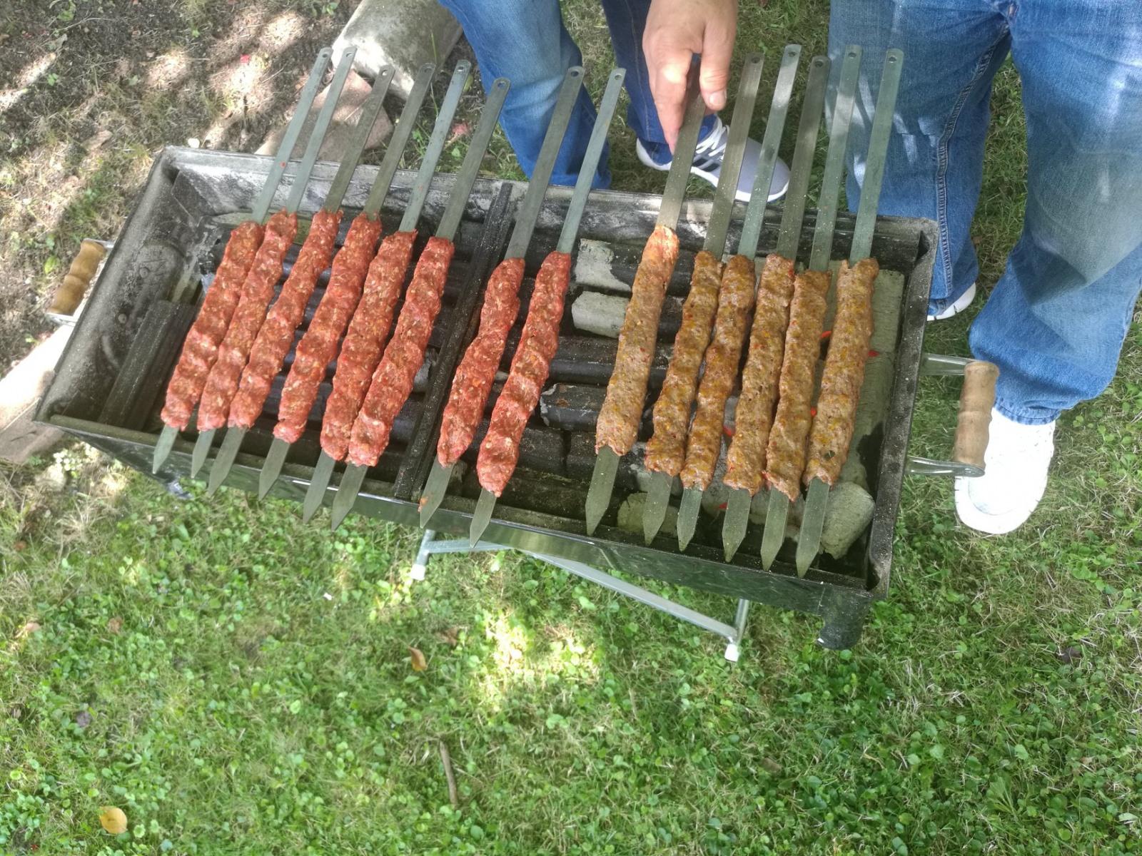 Türkisches Essen auf dem Sommerfest